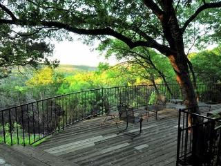 5BR West Austin Renovated with Pool on 8 Forested Acres, Sleeps 13