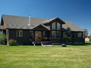 Ideal Property! Near Grand Targhee- Enjoy-Relax-5 Star location! Free WiFi..., Víctor