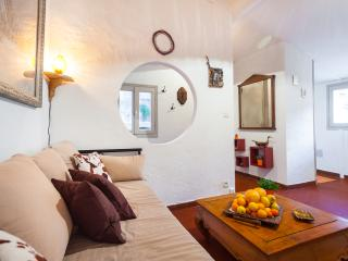 MOULIN-Cosy 2BD apartment in Old Town 5mn to beach, Niza