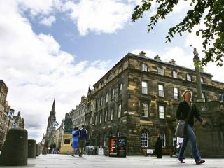 1 Parliament Sq (apt 3), Royal Mile, 300 metres from Edinburgh Castle