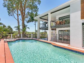 Dolce Vita Large Beach House in Cairns / Palm Cove, Clifton Beach
