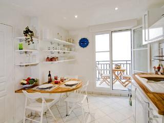 13 TAILLANDIERS :charming flat in Bastille, Paris