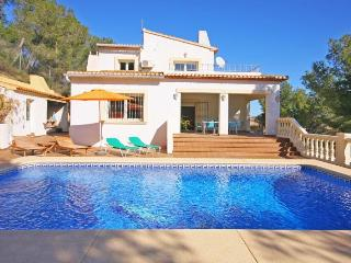 VILLA PINARET: private pool, bbq, partial aircon, Calpe