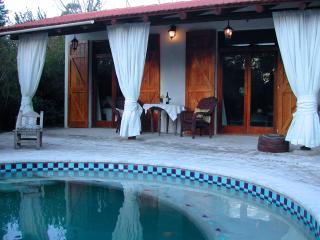 Private Guest House with Pool, best Golf and Beach