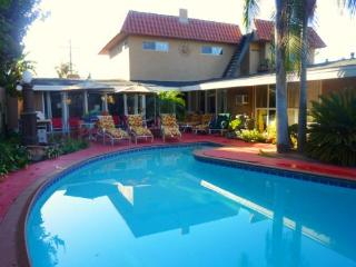 Large Private Pool & Patio (Heating Available)
