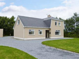 AVONDALE, detached, en-suite, multi-fuel stove, garden, near Listowel, Ref 912272, Abbeyfeale