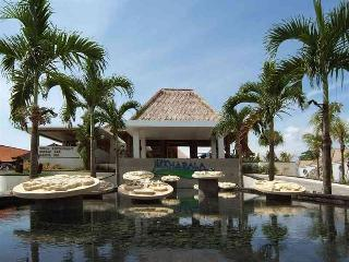 Mahapala,Luxury 1 BR  Villas, beach-side, Sanur