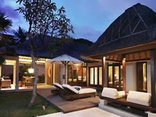 Mahapala, Luxury 2 Bedroom Villa , Beach-Side, Sanur