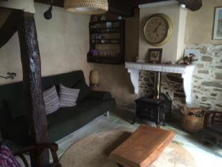 Charming village house to rent in La Garde-Freinet