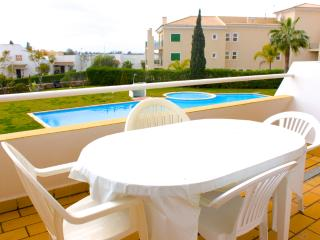 Tropicalia Duplex Apartment, Vilamoura, Algarve