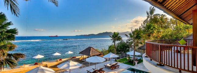 Spectacular villa with sea view in Bali, 4 bdr
