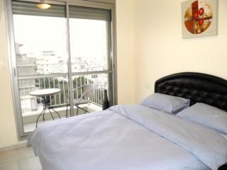 1 Bedroom Heart of City Center Arlozorov (Apt.27), Tel Aviv