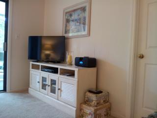 NEW 2014 HD TV, DVD AND UNIT