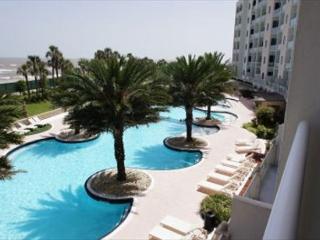 Diamond Beach Resort on the beautiful oceanfront!, Galveston