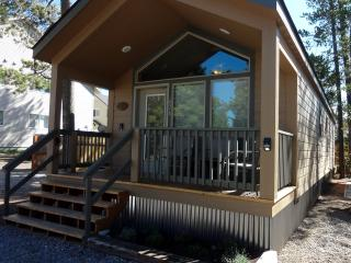 Whiskey Springs Cabins #2, West Yellowstone