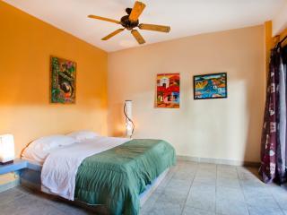 Beautiful 4 bedroom home! surf, sun, RELAAAAX!!!., Playa Grande