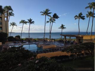 Amazing Ocean Views - Steps to Beach - Newly Remodeled Condo, Kihei