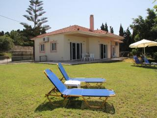 Sea Breeze Villa,  stunning sea view, near beach (900 m), Rethymno center (3 km), Rethymnon