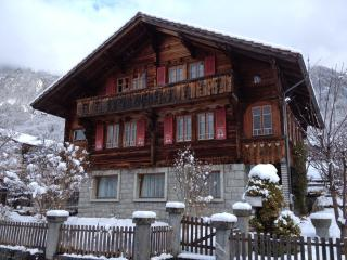 Five-room apartment in a chalet, Brienz