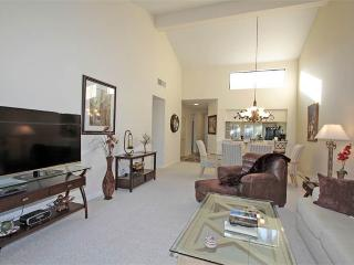 Elevated Views! Nice Bright Unit-Palm Valley CC (VY995), Palm Desert