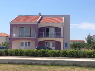 Studio apartment 'Linda' near the center, Vir