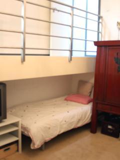 Master bedroom extra bed