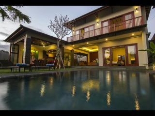 Yoma Villas Bali, Villa Tambora 3 bedroom
