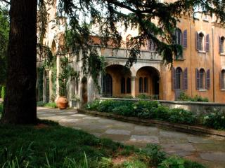 ITALIAN CASTLE IN THE FABOULOUS R. PAGE GARDEN
