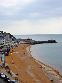 Ventnor Beach looking left