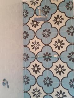 Second bathroom (detail)