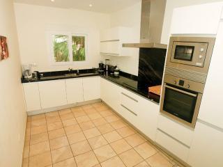 kitchen - main floor