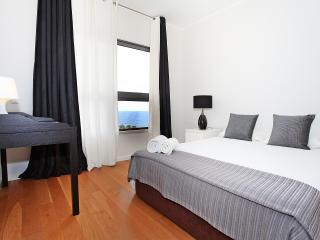 Cayres Suite Centromar, Funchal