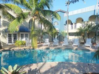 Beachfront, Pool View 2/2 for 7 guests Shared Heated Pool Blue Ocean Villa 1