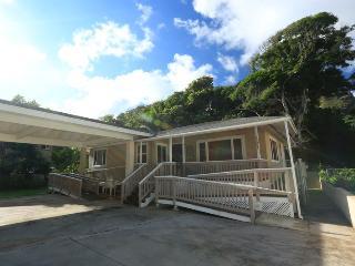 Beachside Getaway (Wila House), Laie