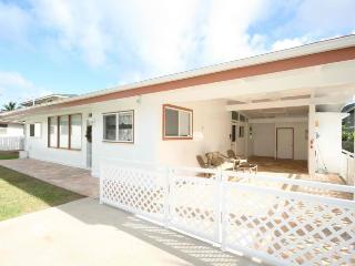 Bellows Beach House, Waimanalo