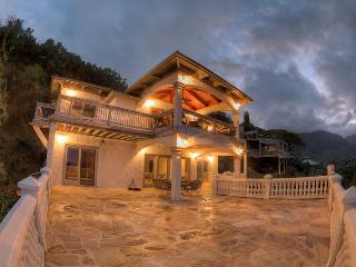 Bay View Manor -4br home with great views, Kaneohe