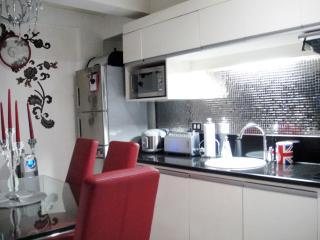 Uniquely Modern 3br flat Tomas Morato Q.C., Quezon City