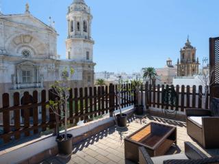 Ático con dos terrazas ☼ frente a la Catedral, Cadiz