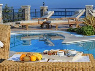 Villa Erato, private Villa with heated pool, Chersonisos