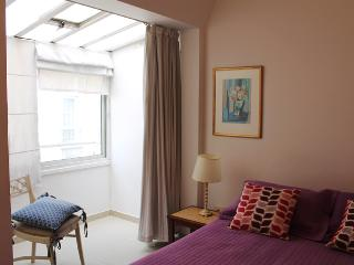Cozy one bedroom apartment in the heart of Recoleta, Ayacucho and Posadas st. (266RE), Buenos Aires