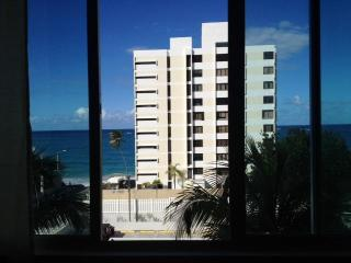 Beautiful Ocean View Apt Prime Area Next to Hotels