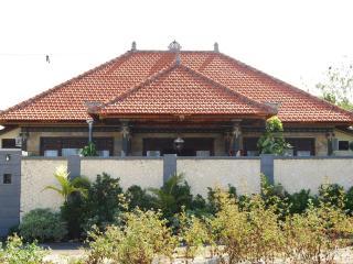 3BR-Balinese Style House @South Kuta