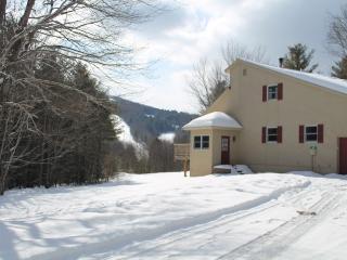 Mt. Abram Village Ski House. Walk to Lodge, Greenwood