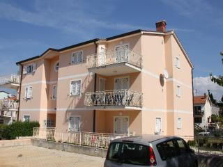 apartment Laurino A2, Funtana
