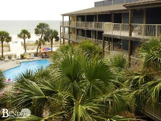 Sandpiper 3C ~Beachside Condo with Gulf Views~Bender Vacation Rentals, Gulf Shores