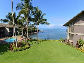 Oceanfront Honokeana Cove! Beautifully Refurbished 1br+Loft br 2 bath unit