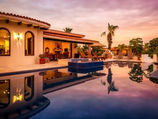 Villa Desierto, Sleeps 10