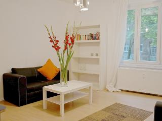 614 | 2 room apartment in the north of Mitte, Berlin