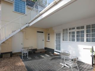 3 The Coach House Studio, Walk to the beach/town in 5 mins.