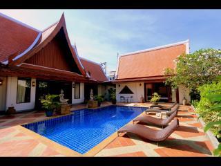 SIRINTHARA villa, luxurious 4 bed pool villa, in N, Kata Beach